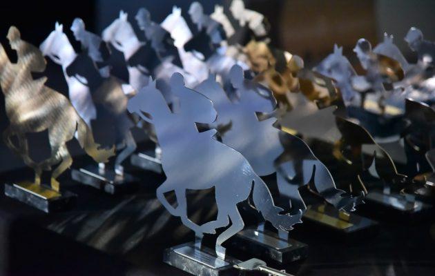 «Horse Racing Awards 2020»: Οι λαμπερές παρουσίες και τα highlights των βραβείων στο Markopoulo Park (βίντεο)