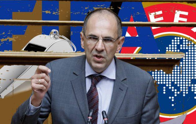 Ο Γεραπετρίτης «παραδίδει» πλήρως το ελληνικό ποδόσφαιρο σε FIFA και UEFA – Οι συνέπειες για τις ομάδες