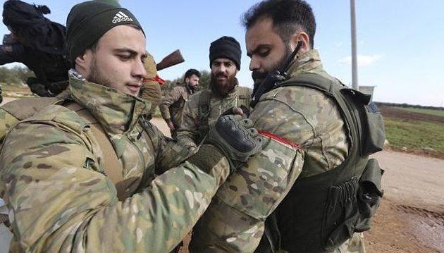 Ο Ερντογάν έντυσε τη συριακή Αλ Κάιντα στην Ιντλίμπ με τουρκικές στολές
