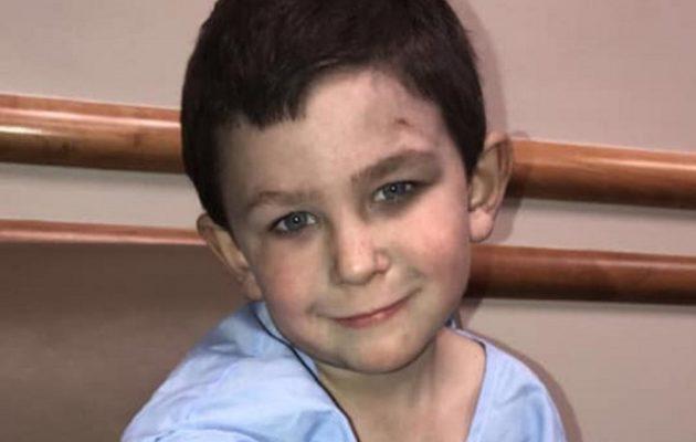 5χρονος έσωσε την οικογένειά του από φωτιά στο σπίτι τους