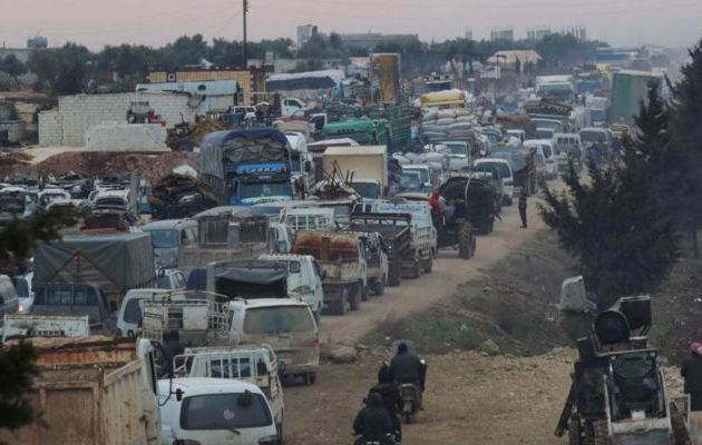 Η Τουρκία απειλεί «ανθρωπιστικά» με 1 εκ. πρόσφυγες εάν δεν γίνει το δικό της