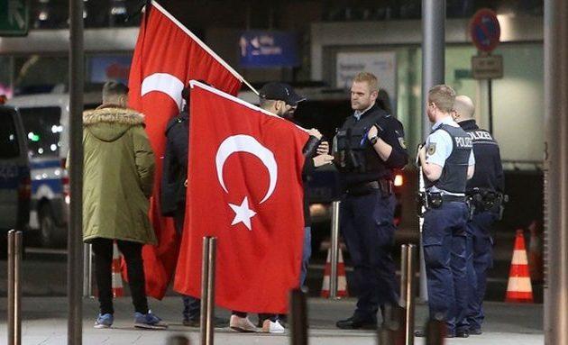 Ποιους όρους βάζει η Ολλανδία στους Τούρκους που θέλουν να μεταναστεύσουν σε αυτήν