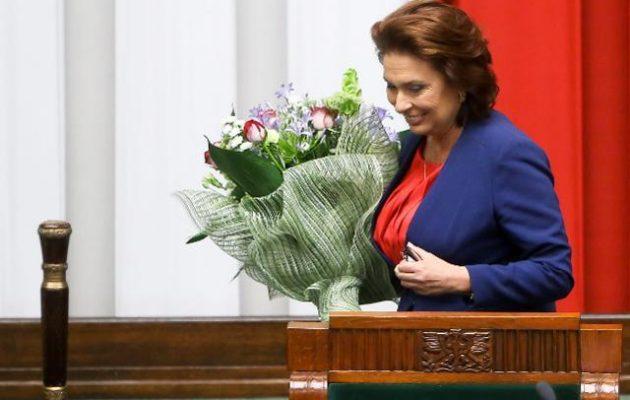 Πολωνία: Η αντιπολίτευση καλεί τους ψηφοφόρους να μποϊκοτάρουν τις προεδρικές εκλογές λόγω κοροναϊού