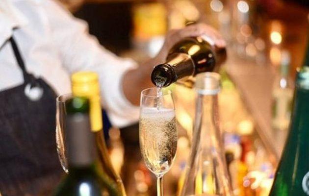 Πάρτι γενεθλίων στην Κηφισιά κόλλησε κορωνοϊό όλη την «καλή κοινωνία»