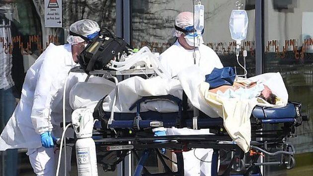 Ο Covid-19 σκότωσε μέσα σε ένα 24ωρο 769 ανθρώπους στην Ισπανία