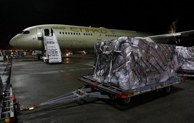 Τα Ηνωμένα Αραβικά Εμιράτα έστειλαν 11 τόνους ιατρικό υλικό στην Ελλάδα