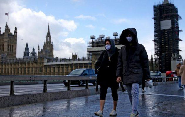 Βρετανία: 115 νεκροί από κοροναϊό το τελευταίο 24ωρο – Πάνω από 10.000 τα επιβεβαιωμένα κρούσματα