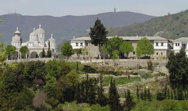 Πήλιο: Αρχιμανδρίτης έκανε μήνυση σε πιστή που πήγε στην εκκλησία