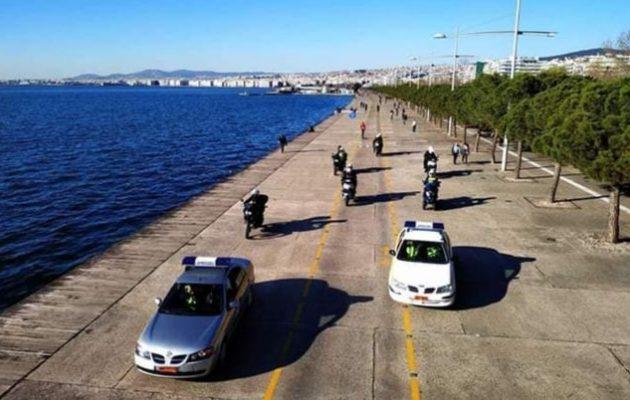 Ο Δήμαρχος Θεσσαλονίκης θα κλείσει τη Νέα Παραλία εάν συνεχίσουν να «συνωστίζονται» οι Θεσσαλονικείς