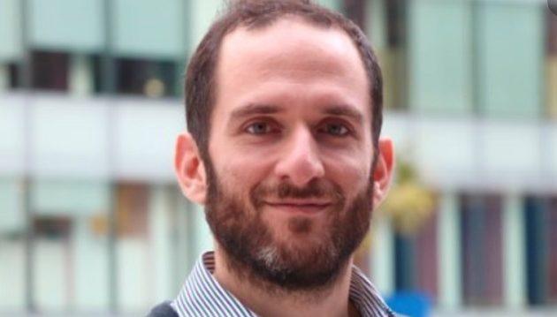 Έλληνας καθηγητής στο Λονδίνο συμβουλεύει πώς να ζήσουμε με τον Covid-19