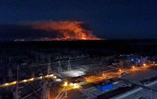 Έσβησε η μεγάλη πυρκαγιά πριν φτάσει στο Τσερνόμπιλ λένε οι Ουκρανοί