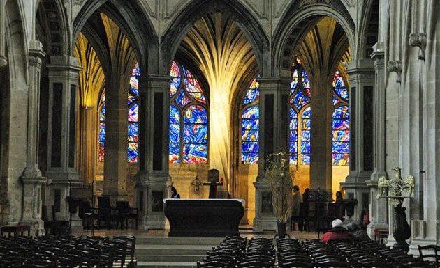 Κορωνοϊός: Η Γαλλία θα επιτρέψει τις θρησκευτικές συναθροίσεις