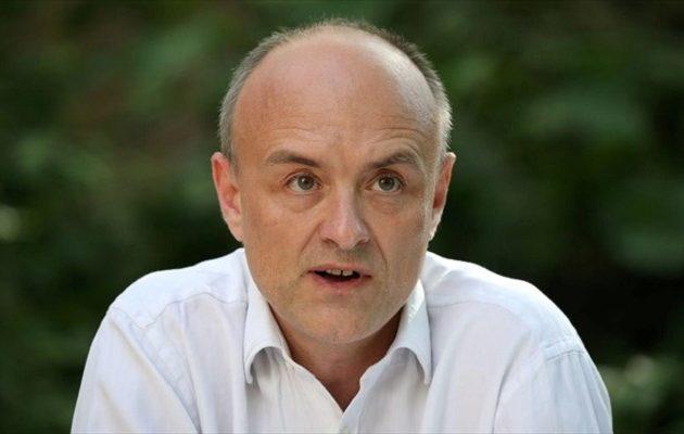 Ένα εκατ. Βρετανοί ζητούν απόλυση του συμβούλου του Τζόνσον που έσπασε την καραντίνα