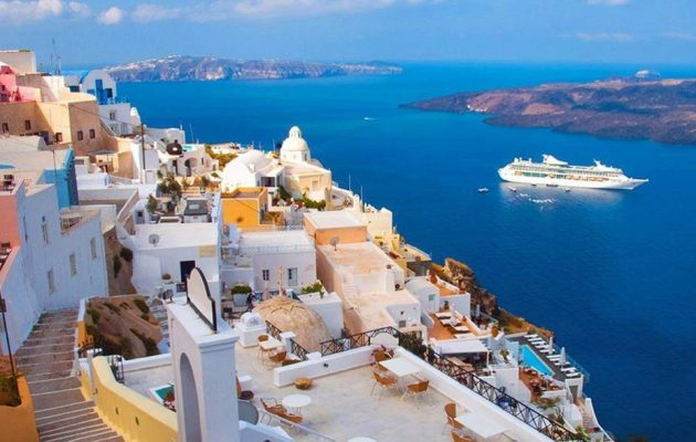 Sun: Εκτός «πράσινης λίστας» τα ελληνικά νησιά – Σε καραντίνα όσοι επιστρέφουν