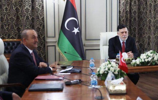 Τι γύρευαν την Τετάρτη οι Τούρκοι στη Λιβύη; Τι συζήτησαν Τσαβούσογλου και Φιντάν με τους Τουρκολίβυους