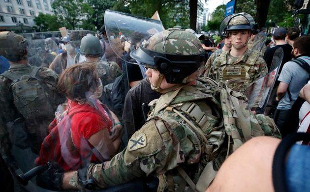 Αμερικανοί εθνοφρουροί μολύνθηκαν με κορωνοϊό στις διαδηλώσεις