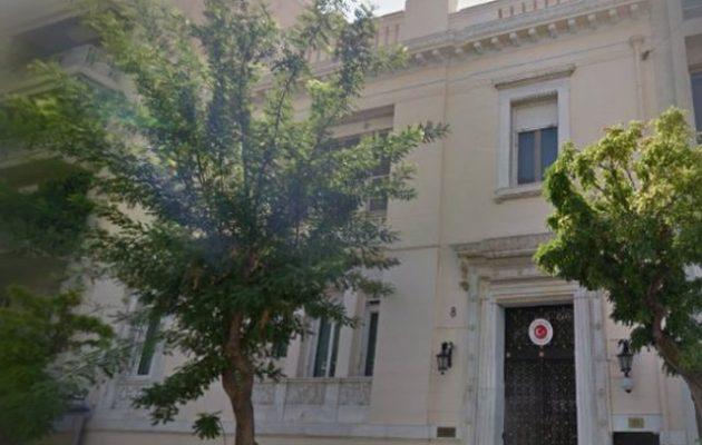 Η Τουρκική Πρεσβεία πανηγυρίζει στο Twitter τη φιλοτουρκική στάση της Γερμανίας