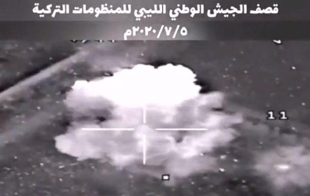 Λιβύη: Ο LNA βομβάρδισε την τουρκική βάση στην Αλ Ουατίγια – Επτά Τούρκοι αξιωματικοί νεκροί (βίντεο)