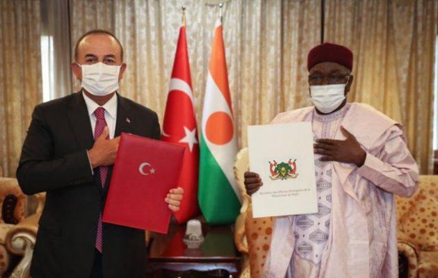 Η Τουρκία καταλαμβάνει τη «γαλλική Αφρική» – Στρατιωτική συμφωνία με Νίγηρα και Τσαντ