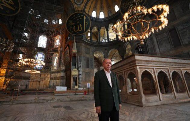 Ο Ερντογάν επισκέφθηκε από την πίσω πόρτα την Αγία Σοφία και επιθεώρησε το ηχοσύστημα