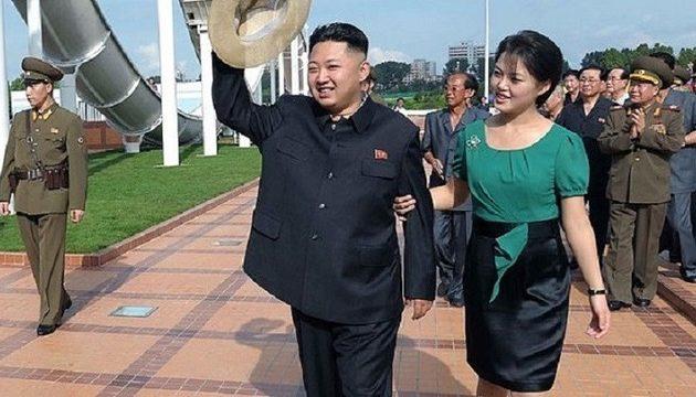 Το αμαρτωλό παρελθόν της συζύγου του Κιμ Γιονγκ Ουν – Ποια είναι η Ρι Σολ Γιου