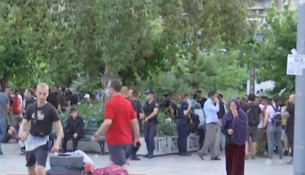 ΣΥΡΙΖΑ: Αναγνωρισμένοι πρόσφυγες εξωθούνται σε πλατείες πόλεων