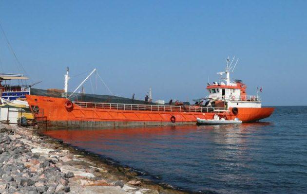 Οι τουρκικές Αρχές πρόλαβαν στη Σμύρνη πλοίο με 276 μετανάστες πριν αποπλεύσει για την Ελλάδα