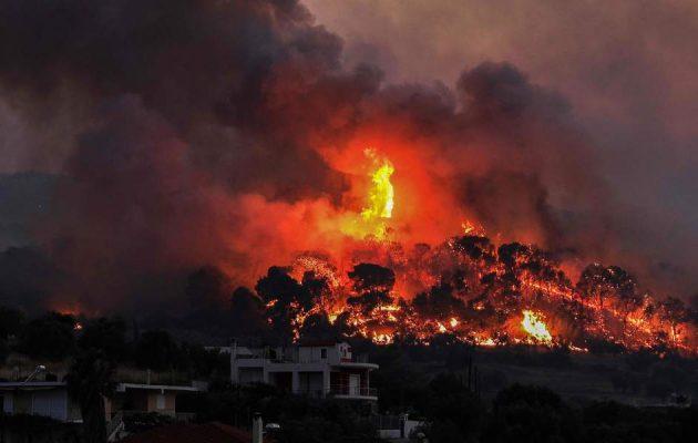 Φωτιά στις Κεχριές: Εκκενώνεται και το Σοφικό Κορινθίας – 72 πυρκαγιές στην Ελλάδα