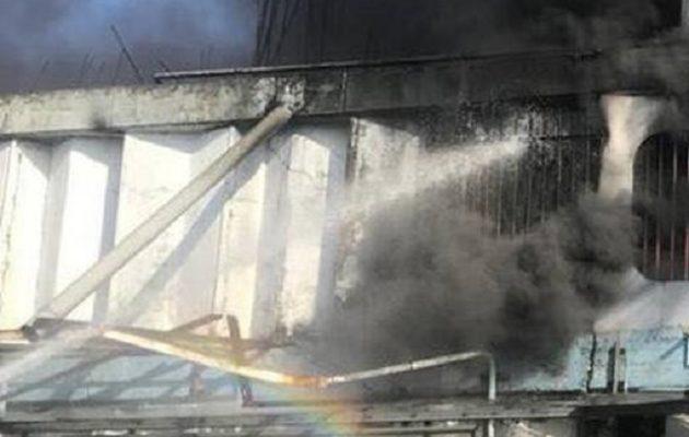 Μεγάλη φωτιά σε εργοστάσιο στη Μεταμόρφωση – Κλειστή η Αθηνών-Λαμίας