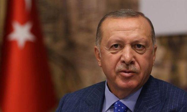 O Ερντογάν «αρχισυντάκτης» του Τύπου και τηλεοπτικός «παραγωγός»