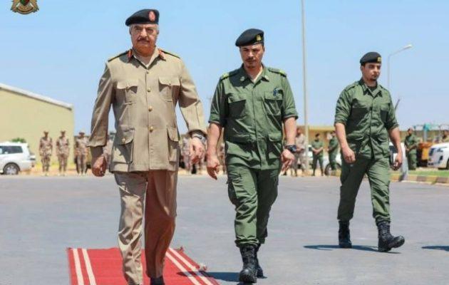 Λιβύη: Ο Χαφτάρ ορκίστηκε να διώξει τους Τούρκους από τη χώρα