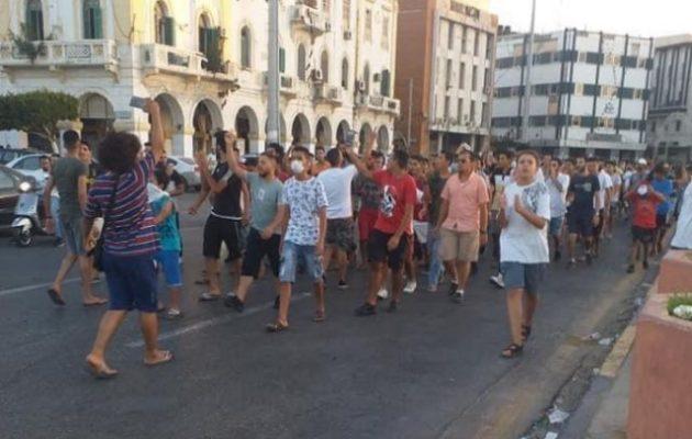 Λιβύη: Νέες διαδηλώσεις στην Τρίπολη κατά της διαφθοράς του καθεστώτος Σαράτζ