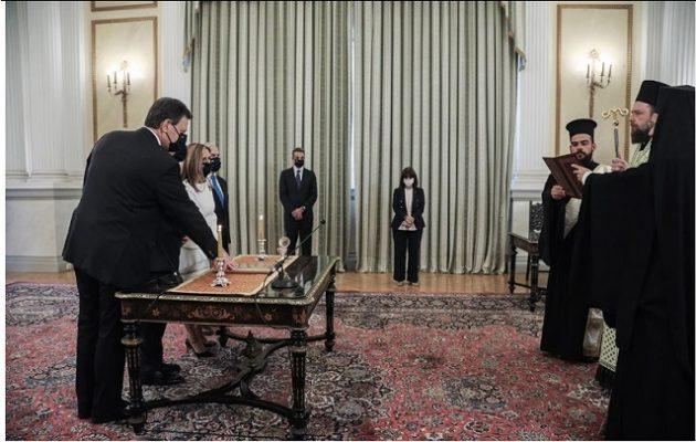 Το ατόπημα της Σακελλαροπούλου στην ορκωμοσία των νέων υπουργών