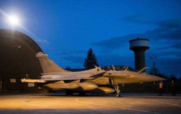 Κύπρος: Γαλλικά πολεμικά αεροσκάφη προσγειώθηκαν στην αεροπορική βάση της Πάφου