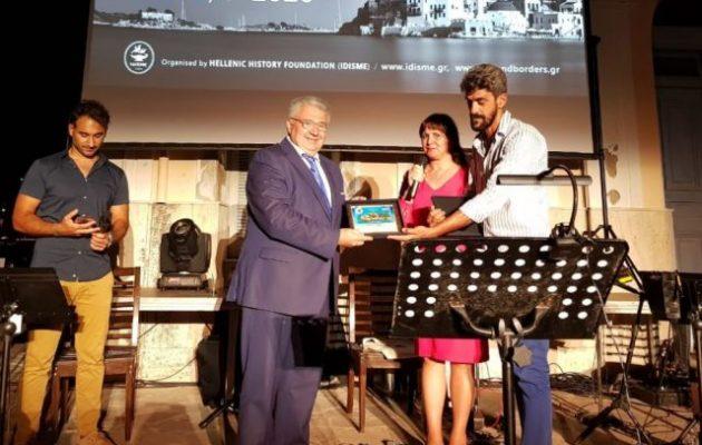 Στο Καστελλόριζο ο Γιάννης Χρυσουλάκης τίμησε τους απόδημους δημιουργούς