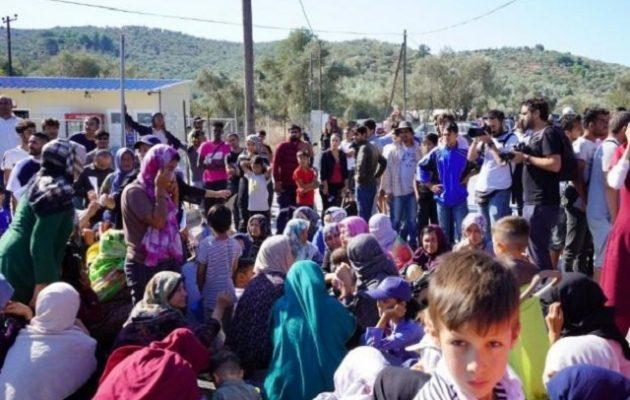 Χρυσοχοΐδης: Η Λέσβος θα έχει αδειάσει από πρόσφυγες μέχρι το Πάσχα