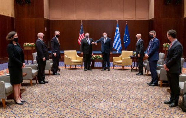 ΣΥΡΙΖΑ-ΠΣ: «Χαιρόμαστε ιδιαίτερα» που η κυβέρνηση της ΝΔ χαρακτηρίζει «ιστορική» τη Συμφωνία των Πρεσπών