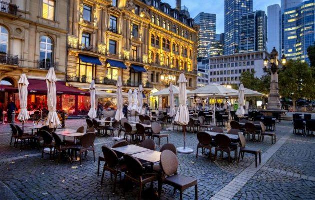 Κορωνοϊός: Η Γερμανία δίνει δεκάδες δισ. ευρώ στις επιχειρήσεις της για το μερικό λοκντάουν