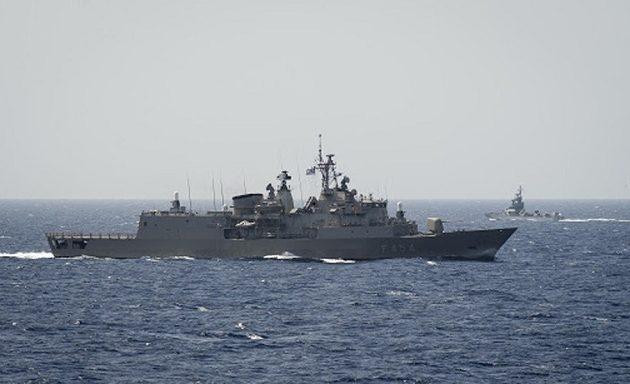 Handelsblatt: Η Ελλάδα να βασιστεί στο Ναυτικό της – Υπερέχει ποιοτικά της Τουρκίας