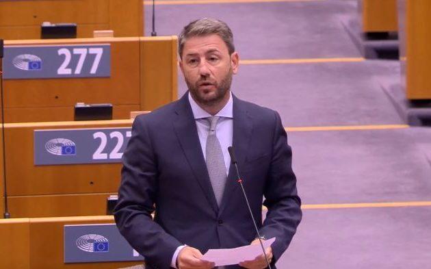 Ανδρουλάκης: Να δοθεί το όνομα Ανδρέα Παπανδρέου σε αίθουσα του Ευρωπαϊκού Κοινοβουλίου