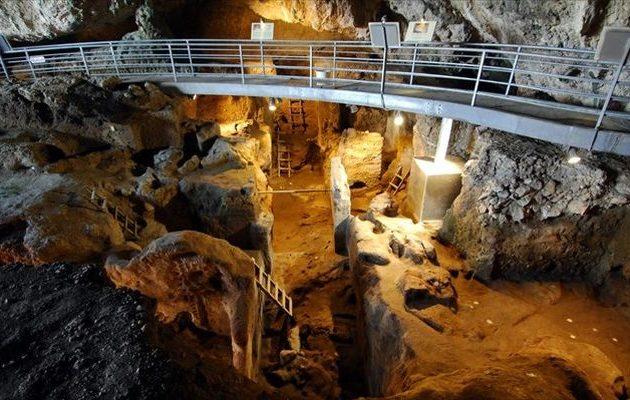 Νέα στοιχεία για τους προϊστορικούς ανθρώπους που έζησαν στο σπήλαιο της Θεόπετρας