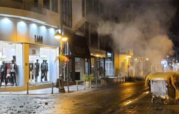 Κύπρος: Συγκρούσεις διαδηλωτών και αστυνομιών σε διαδήλωση κατά των μέτρων για τον κορωνοϊό