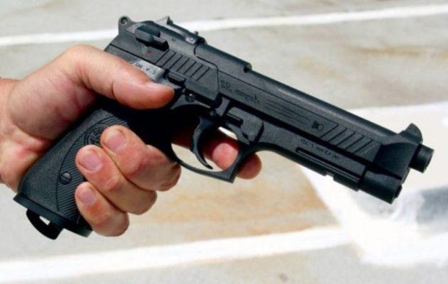 Ρέντη: Νεκρή 41χρονη γυναίκα από το όπλο του αστυνομικού συζύγου της
