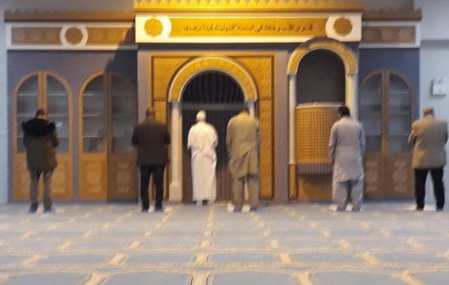 Με Έλληνα πολίτη ιμάμη και το κήρυγμα στα ελληνικά λειτουργεί το τζαμί της Αθήνας