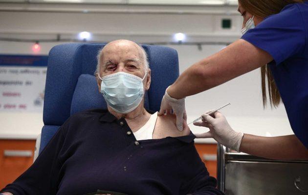 Κορωνοϊός: Τι είπε ο Μιχάλης Γιοβανίδης, ο δεύτερος Έλληνας που εμβολιάστηκε