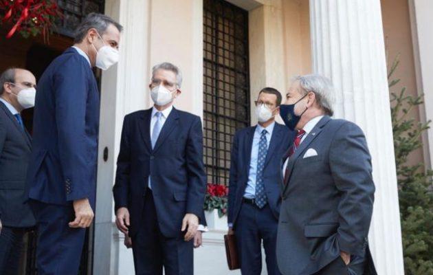 Μια γροθιά Ελλάδα-ΗΠΑ στην Ενέργεια – Τζέφρι Πάιατ: «Νέα εποχή ενεργειακής ανεξαρτησίας»