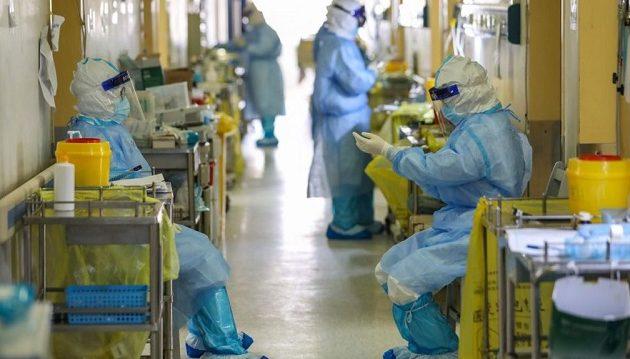 Νοσοκόμος «το έκανε» μέσα στο δωμάτιο νοσοκομείου με ασθενή Covid-19