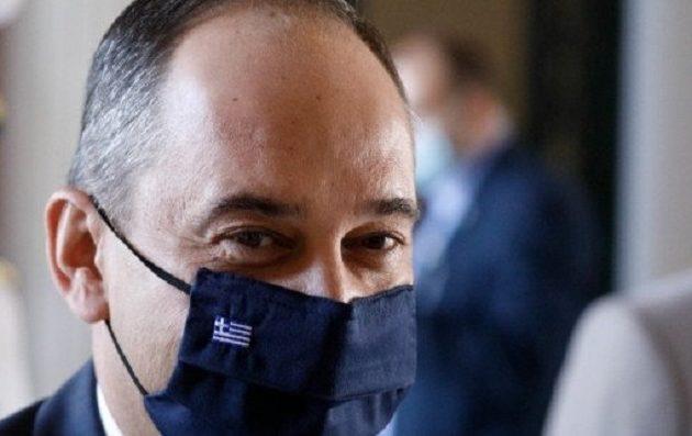 Πλακιωτάκης: Ανακοίνωσε ακτοπλοϊκή σύνδεση Ελλάδας-Κύπρου από το νοσοκομείο