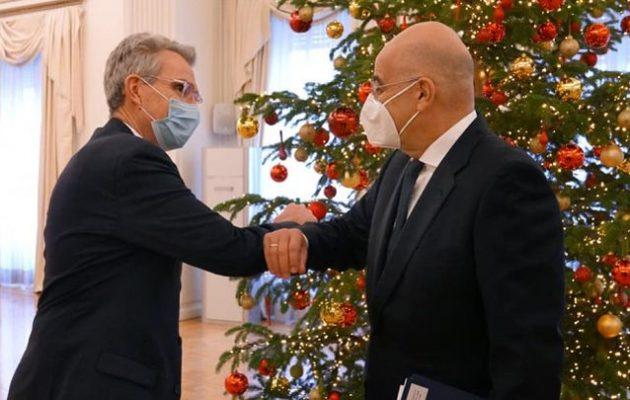 Ο Πάιατ ενημέρωσε τον Δένδια για τις αμερικανικές κυρώσεις στην Τουρκία