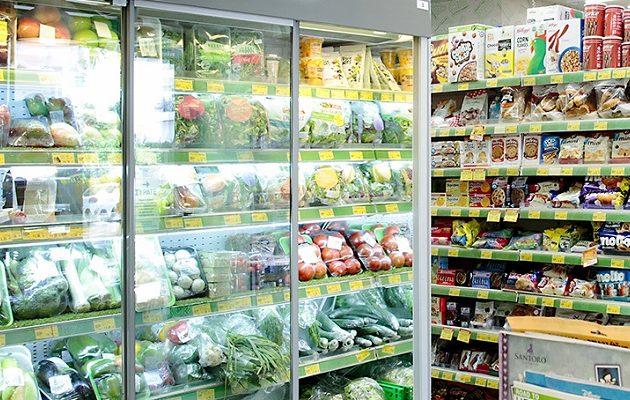 ΣΕΛΠΕ: Οι καταναλωτές πλέον ξοδεύουν τα μισά λεφτά τους για τρόφιμα